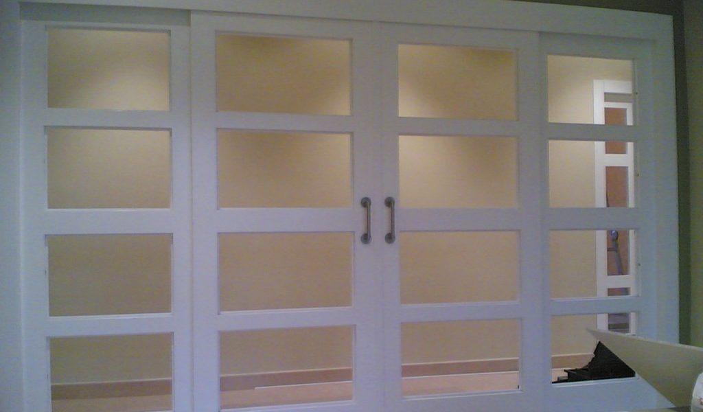 Puertas entrada aluminio perfect metlica roble viejo with for Modelos de puertas de aluminio para interiores